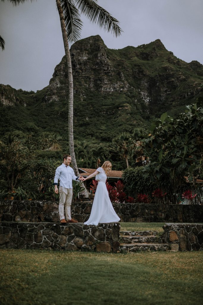 bride and groom portraits Hawaii destination elopement | Photography by Anela Benavides