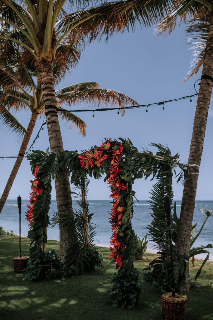 hawaii wedding details and decor