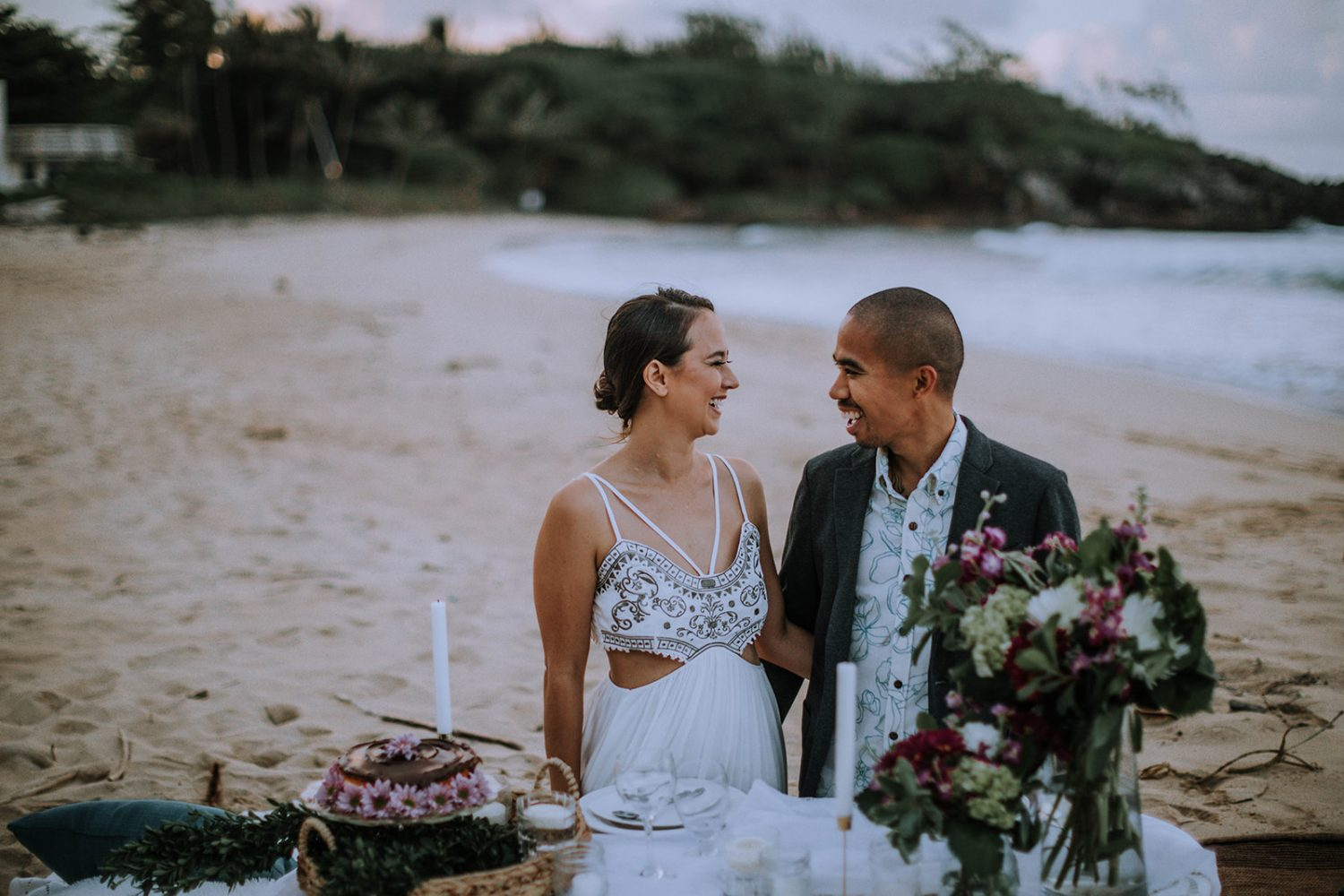 How to Elope on Oahu, Hawaii by Anela Benavides Photography. Includes posing inspiration for an elopement & elopement planning tips. Book your couples session and browse the blog for more inspiration #elopement #photography #elopementphotography #Hawaiiphotographer #tipsforphotographers